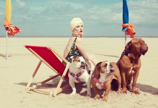 Kourtney Roy : autoportraits, glamour et PMU